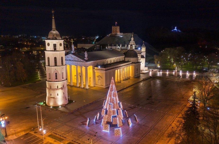 Vilniaus kalėdinė eglė iš paukščio skryžio