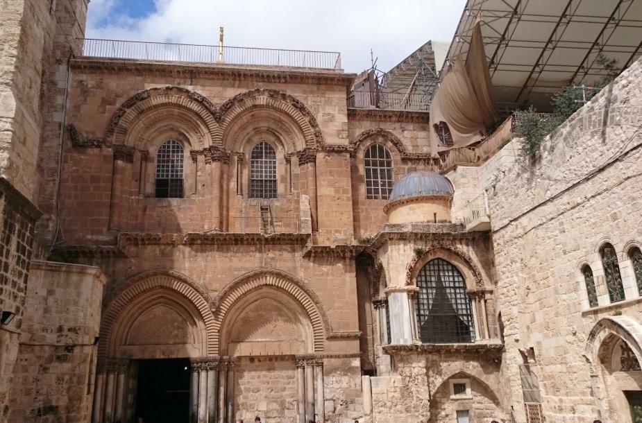 """Jeruzalėje esanti Kristaus kapo bažnyčia. """"West express"""" nuotr"""