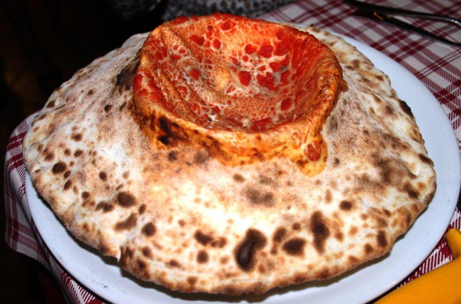 """""""Pizza Stromboli"""": galbūt atrodo ne kaip, tačiau skonis – sunkiai pamirštamas"""