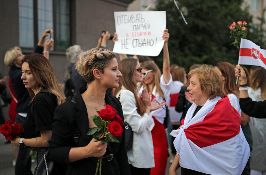 Moterų protestas Baltarusijoje