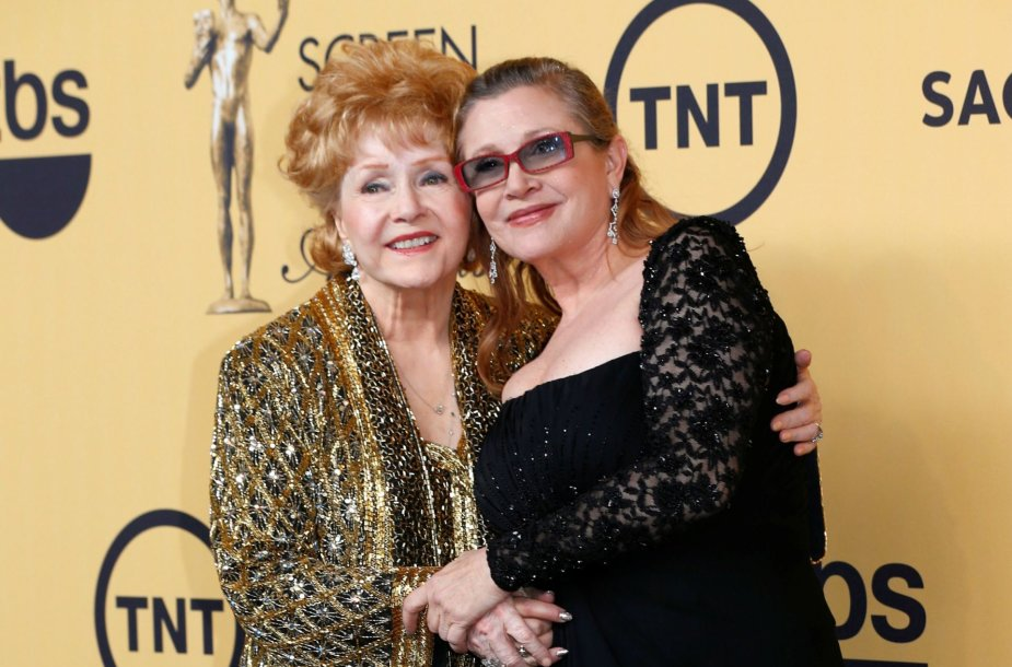 Debbie Reynolds ir Carrie Fisher (2015 m. sausis)