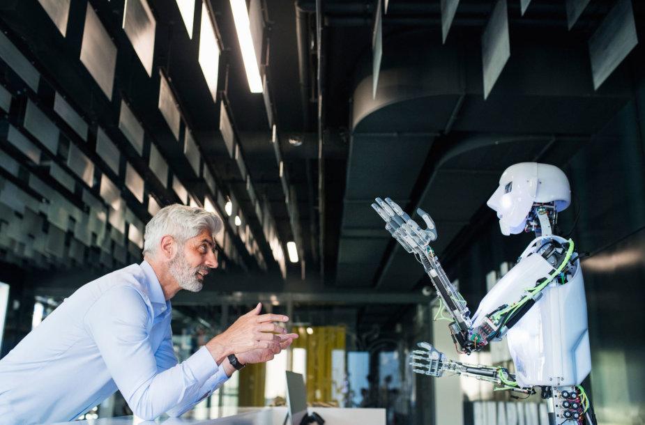 Robotas ir verslininkas