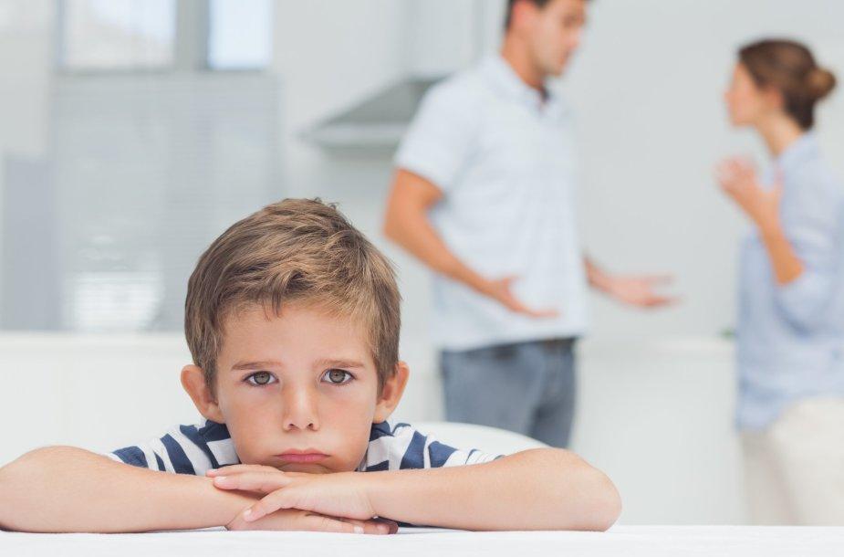 Vaikui skaudu matyti besipykstančius tėvus.