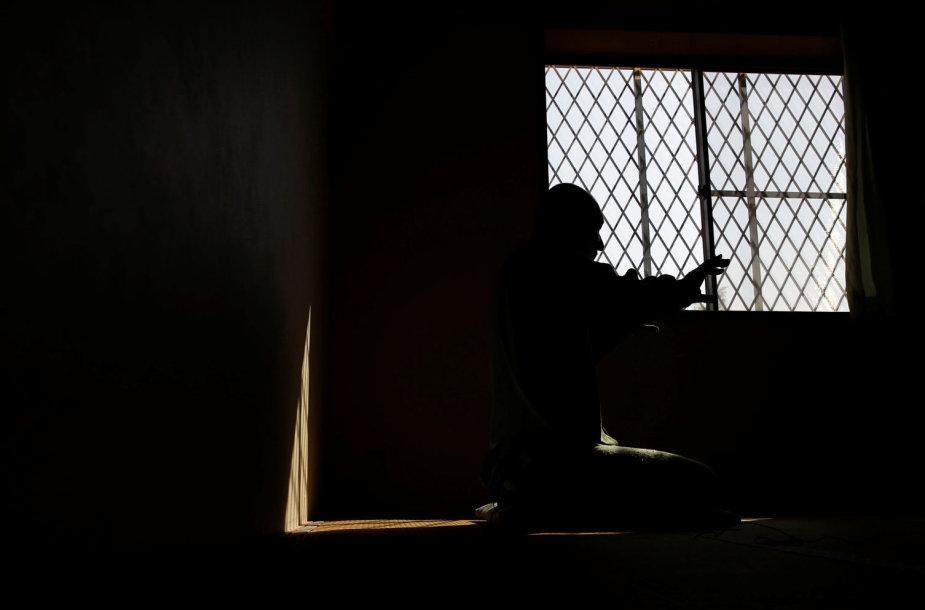 Japonijos kalėjimuose gausėja senų ir dėl to priežiūros reikalaujančių kalinių