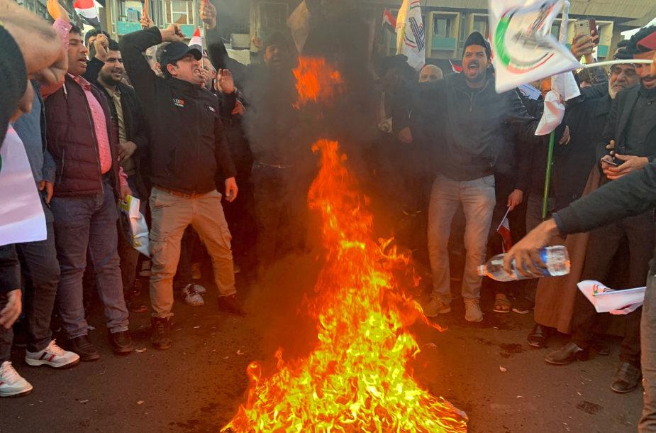 Bagdade užpulta JAV ambasada