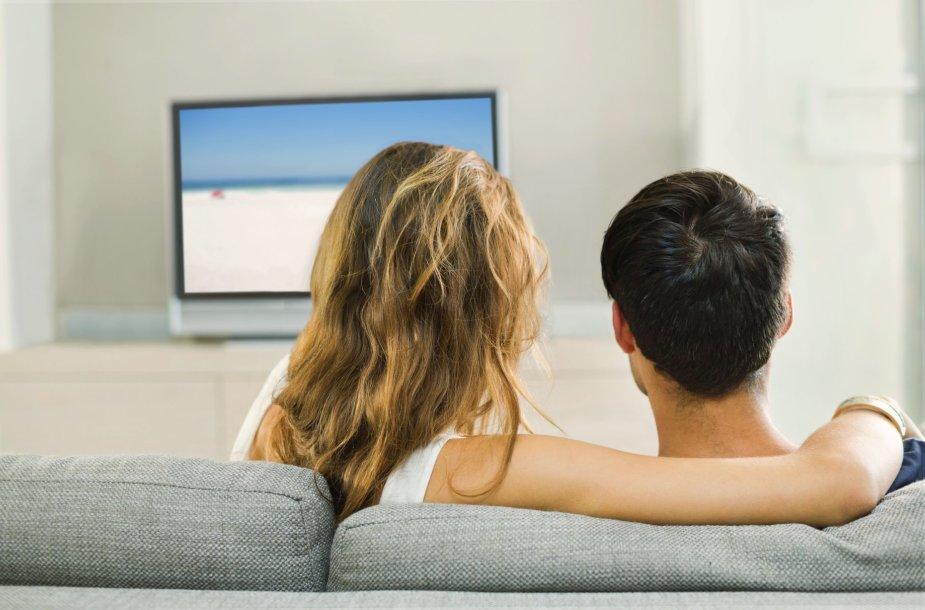 Pora žiūri TV