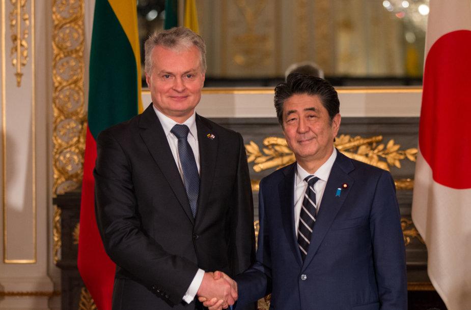 Prezidentas Gitanas Nausėda ir Japonijos ministras pirmininkas Shinzo Abe