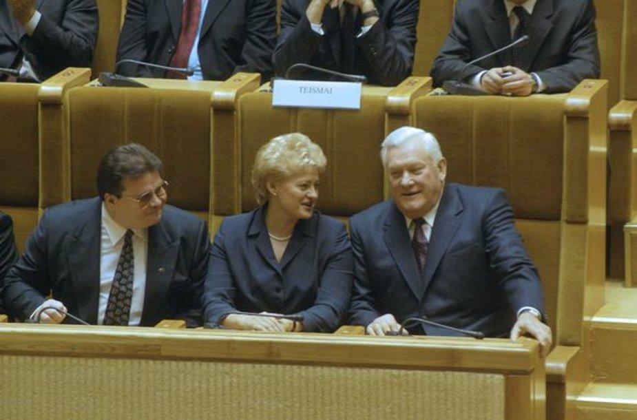 Linas Linkevičius, Dalia Grybauskaitė ir Algirdas Brazauskas iškilmingame Seimo posėdyje.