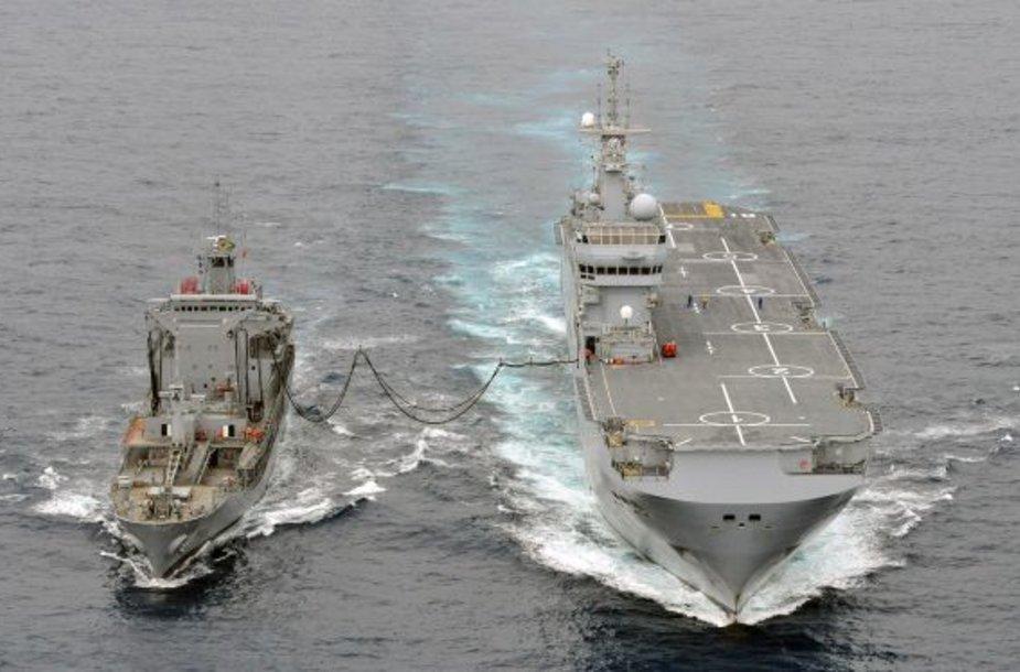 """Sudužusio """"Airbus 330"""" nuolaužų ieško Prancūzijos ir Brazilijos laivai"""