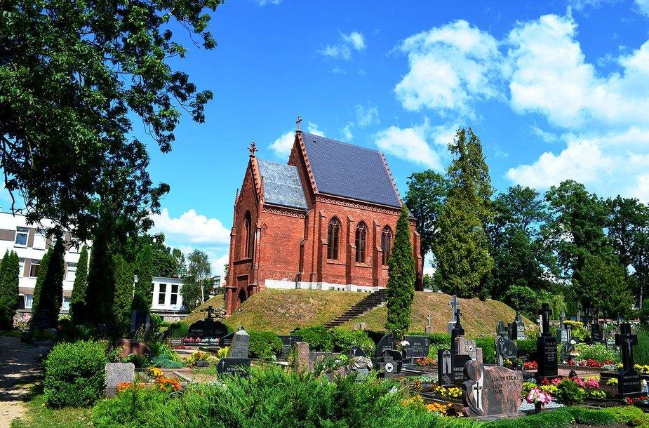Tiškevičių koplyčia Kretingos kapinėse