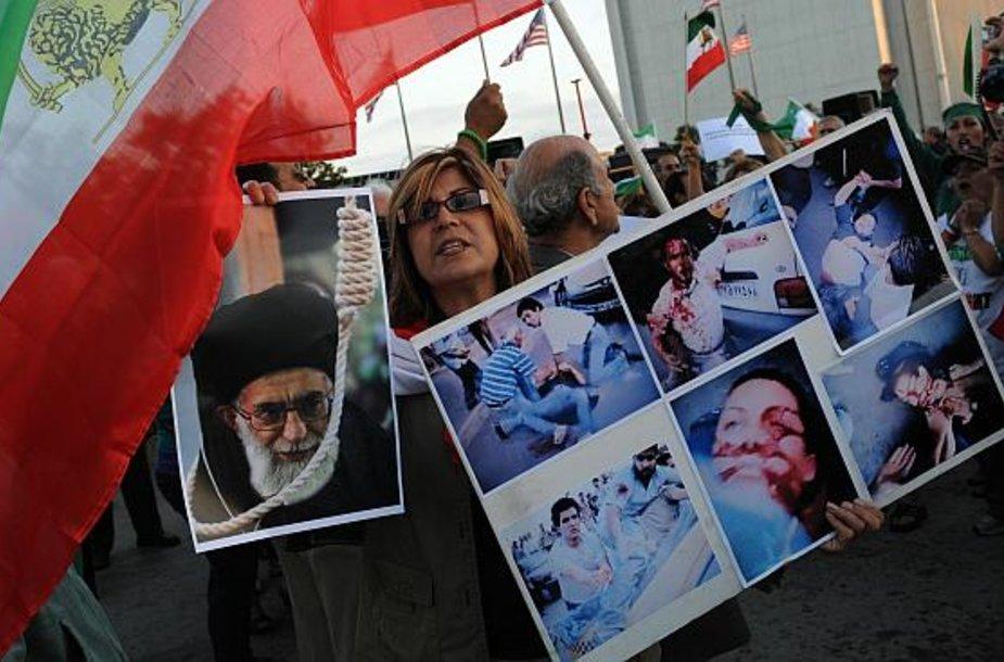 Po prezidento rinkimų iraniečiai protestuoja ne tik savo šalyje, bet ir užsienyje.