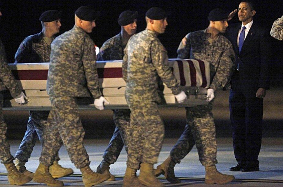 Barackas Obama pagerbė Afganistane žuvusius karius.