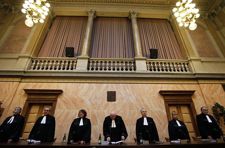 Čekijos Konstitucinis Teismas panaikino paskutinę kliūtį Lisabonos sutarties ratifikavimui.
