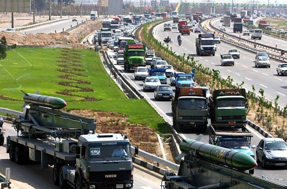 Irano raketos gatvėse