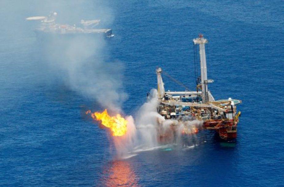 Naftos platforma Meksikos įlankoje