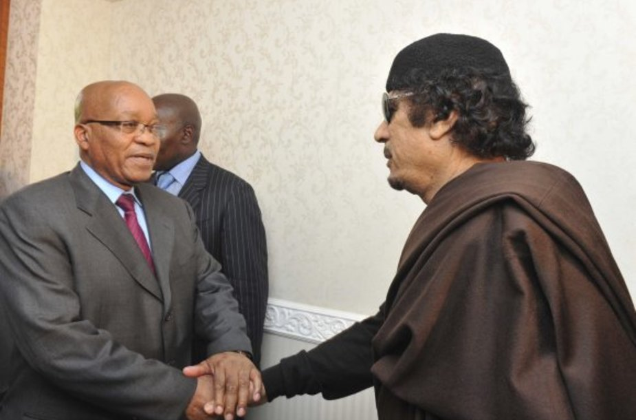 Jacobas Zuma ir Muamaras Kadhafi