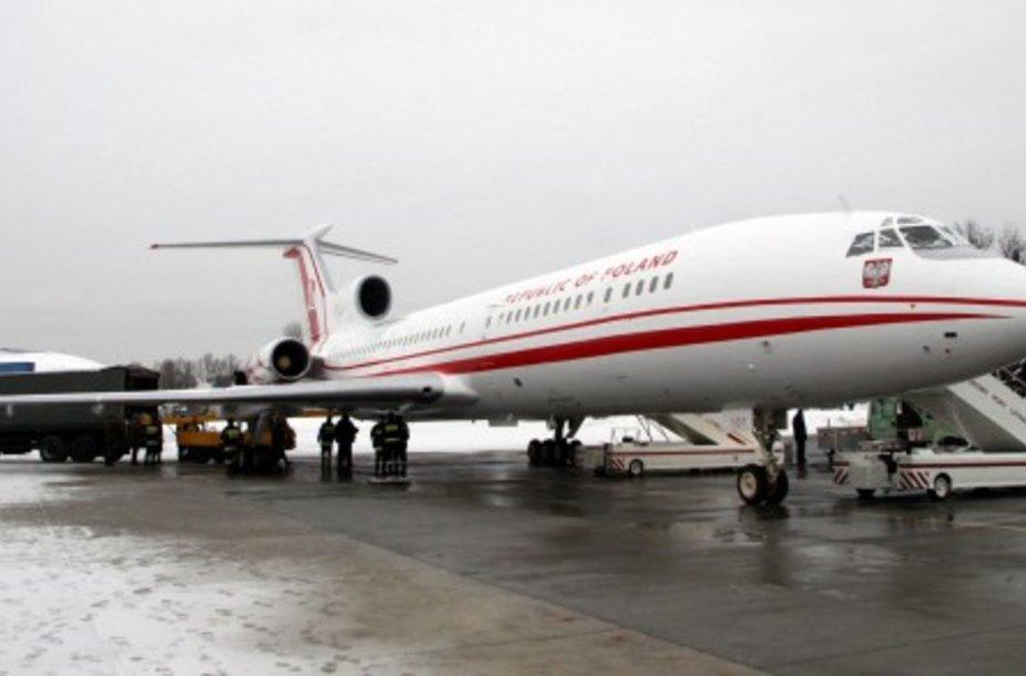 """Lenkijos valstybės vadovai anksčiau naudojosi dviem """"Tu-154M"""" lėktuvais."""