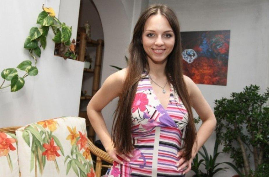 """Suknelė, su kuria Evelina Anusauskaitė pasirodė festivalyje """"Slavianskij bazar"""""""