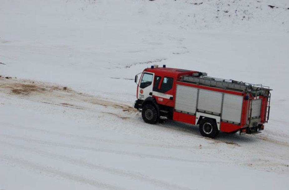 Ugniagesių vairuotojų pratybos