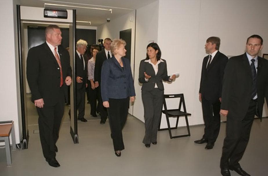 Prezidentė atvyksta į Nacionalinę dailės galeriją