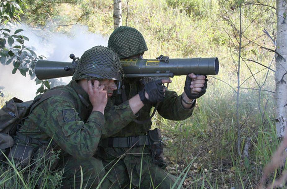 Kariai šaudymo pratybose