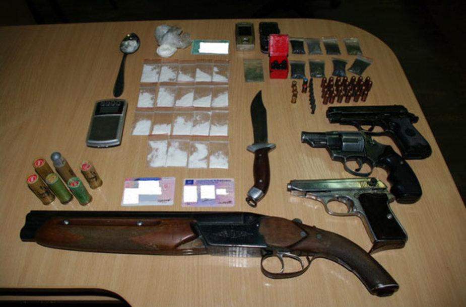 Vilniečio bute rasti ginklai ir narkotikai