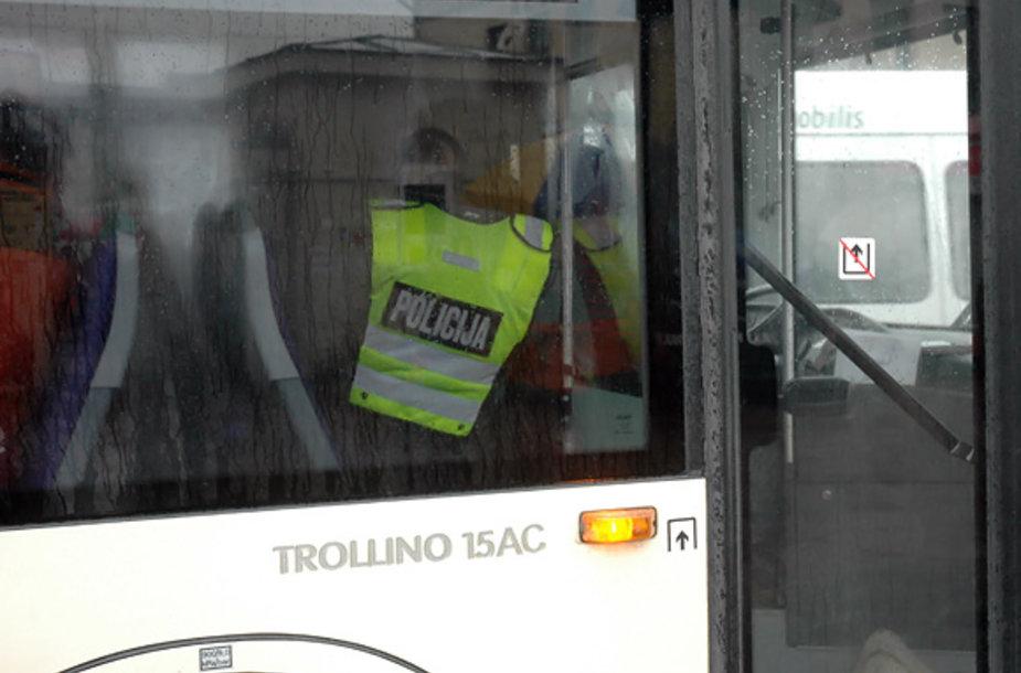 Policininkas troleibuse