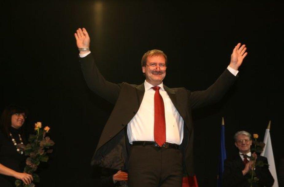 V.Uspaskichas ant scenos
