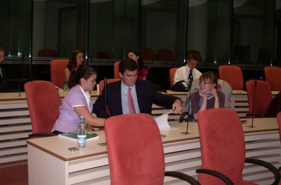 Mykolo Romerio universitete - tarptautinė studentų stovykla žmogaus teisių klausimais.