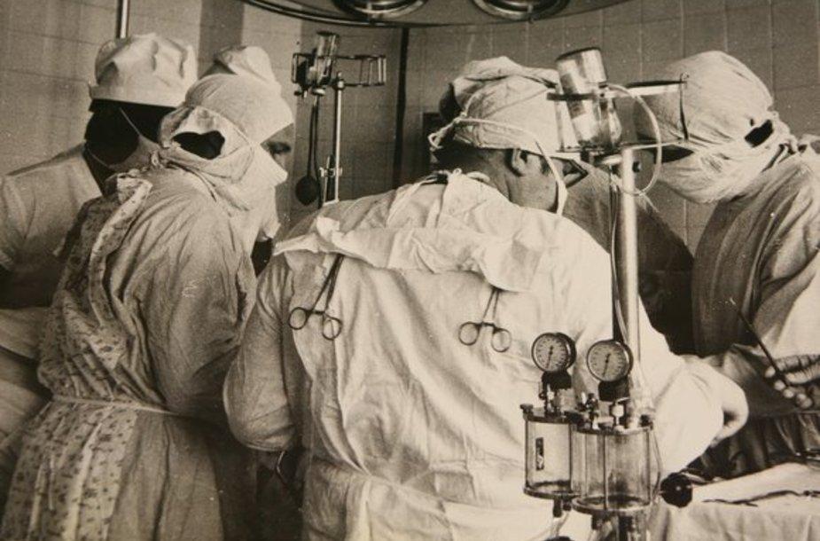 Pirmoji atvira širdies operacija Lietuvoje buvo atlikta 1964-aisiais.