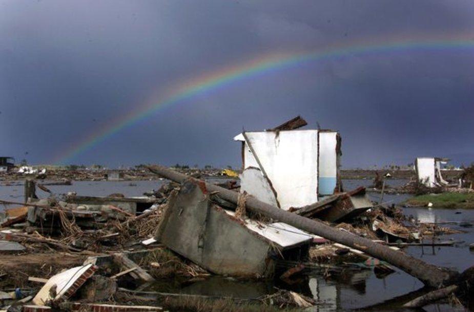 Taip Indoneziją nuniokojo stichija 2005 metais