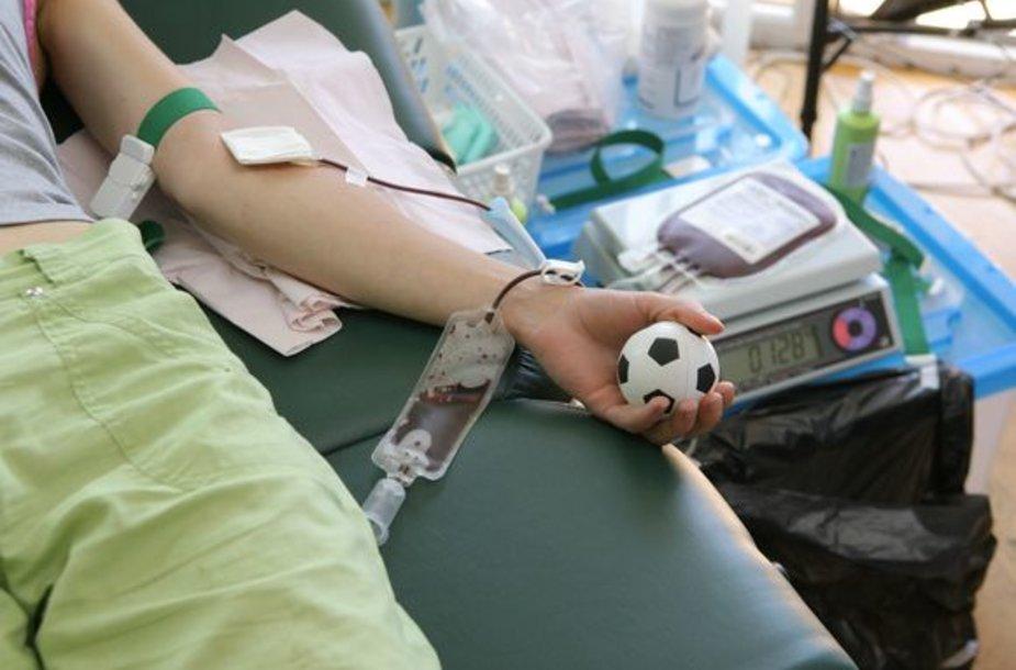 Kraujo donoru gali tapti bet kuris sveikas 18 iki 60 m. amžiaus žmogus.