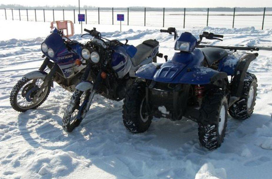 """Motociklai """"Yamaha"""" ir keturratis motociklas"""