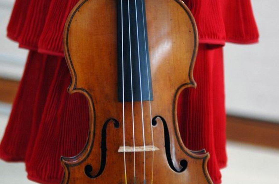 Vienas iš Antonijaus Stradivarijaus pagamintų smuikų