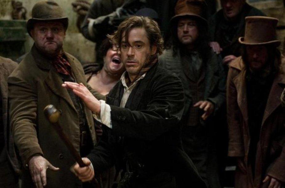 Šerloką Holmsą (aktr. Robertas Downey)