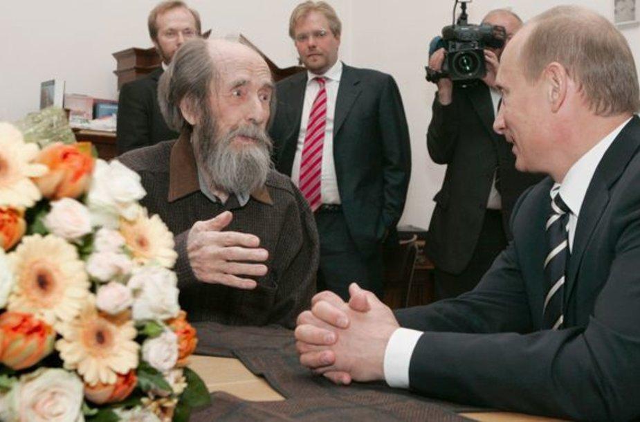 A.Solženicynas su V.Putinu
