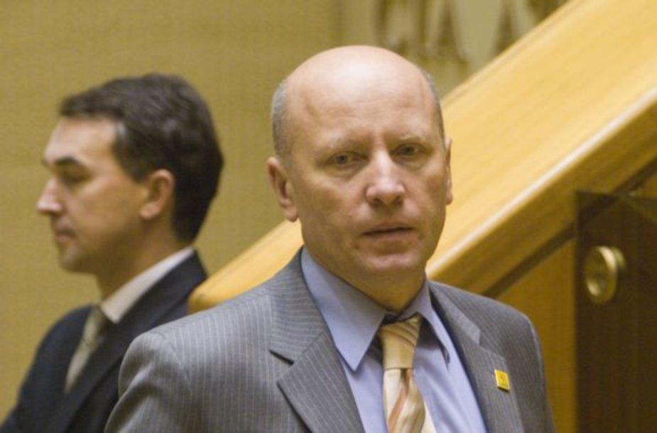 Vidaus reikalų ministras R.Palaitis dovanas pavaldiniams linkęs pirkti iš reprezentacijai skirtų lėšų.