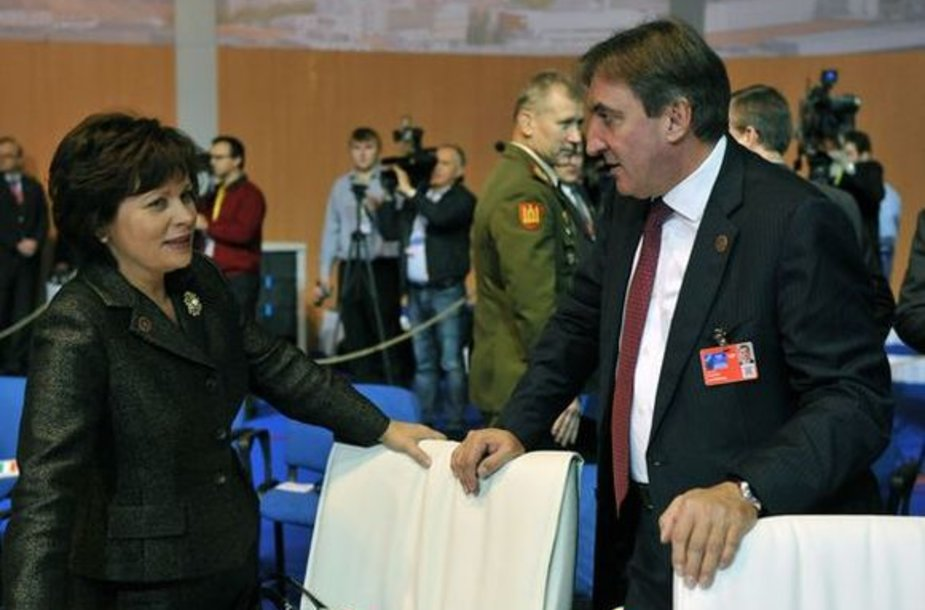 Krašto apsaugos ministrė Rasa Juknevičienė dalyvavo Bratislavoje vykusiame neoficialiame NATO gynybos ministrų susitikime.