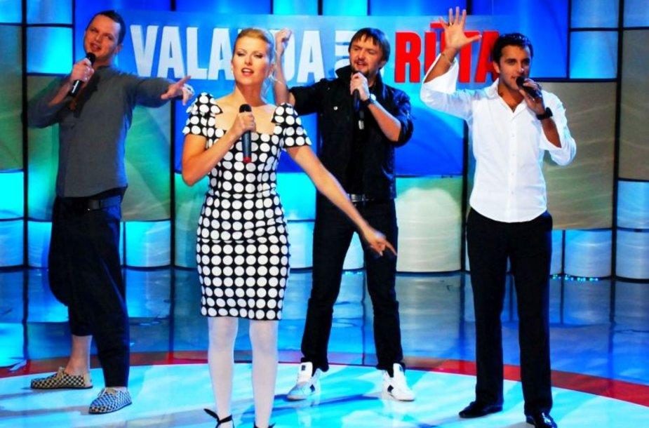 Rūta Mikelkevičiūtė dainuoja su vyrais