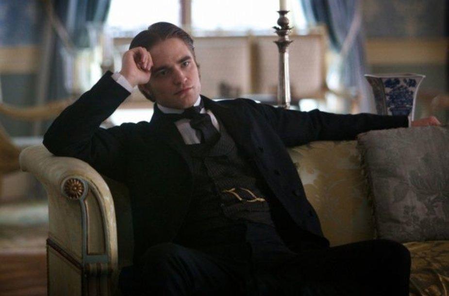 """Robertas Pattinsonas filme """"Mielas draugas"""""""