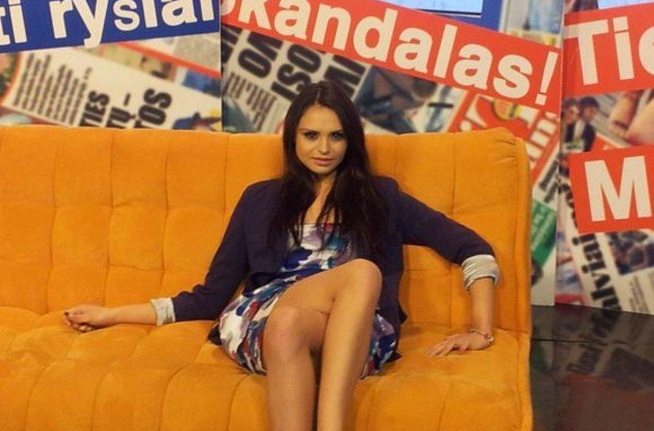 """Grupės """"Pinup Girls"""" dainininkė Ieva Ambrazaitė"""