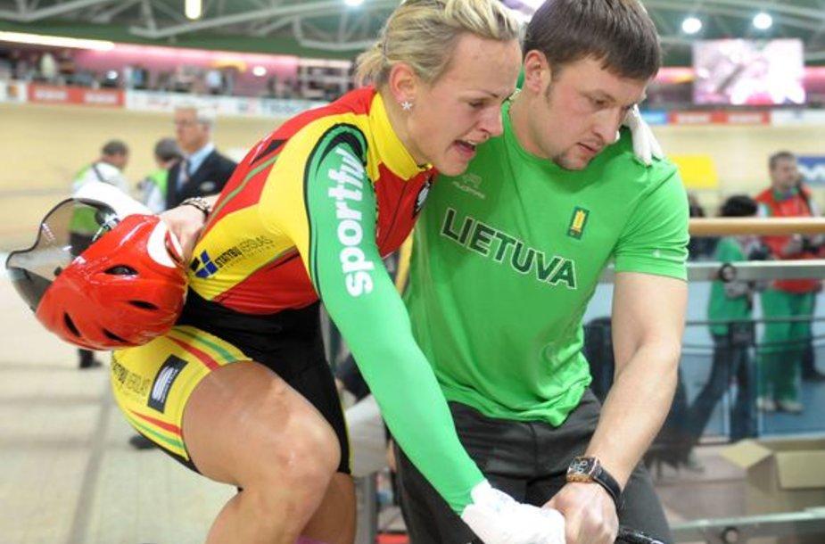 Simonai Krupeckaitei – planetos dviračių treko čempionato auksas