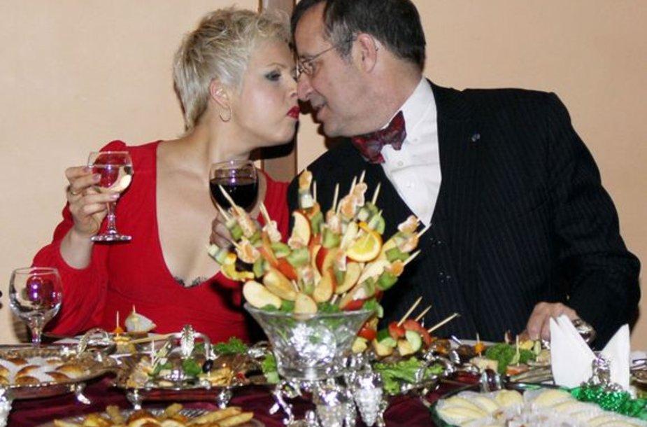 Estijos prezidentas Toomas Hendrikas Ilvesas su žmona Evelin