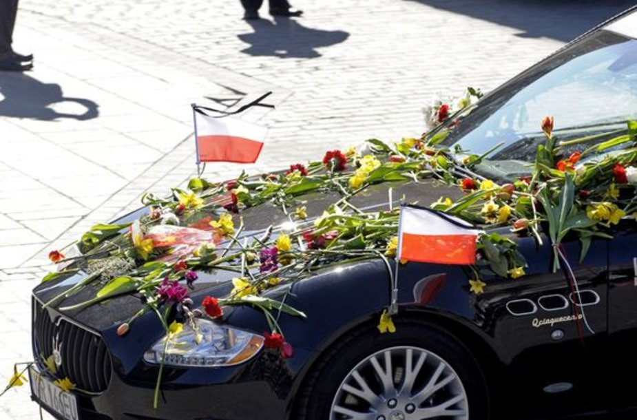 Lenkijos pirmosios poros palaikai atgabenti į Krokuvą.