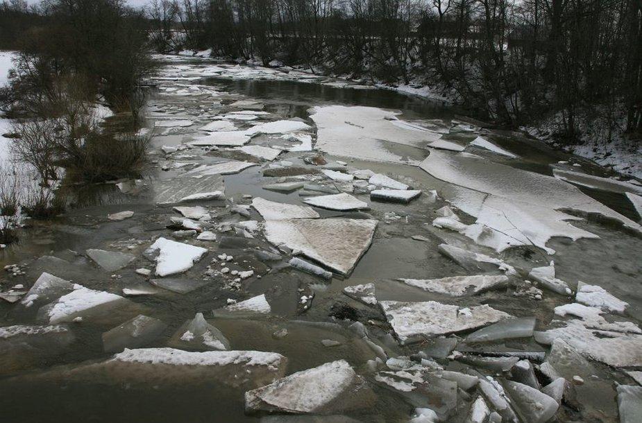 Jūros upė ties Pajūralio gyvenviete Šilalės rajone