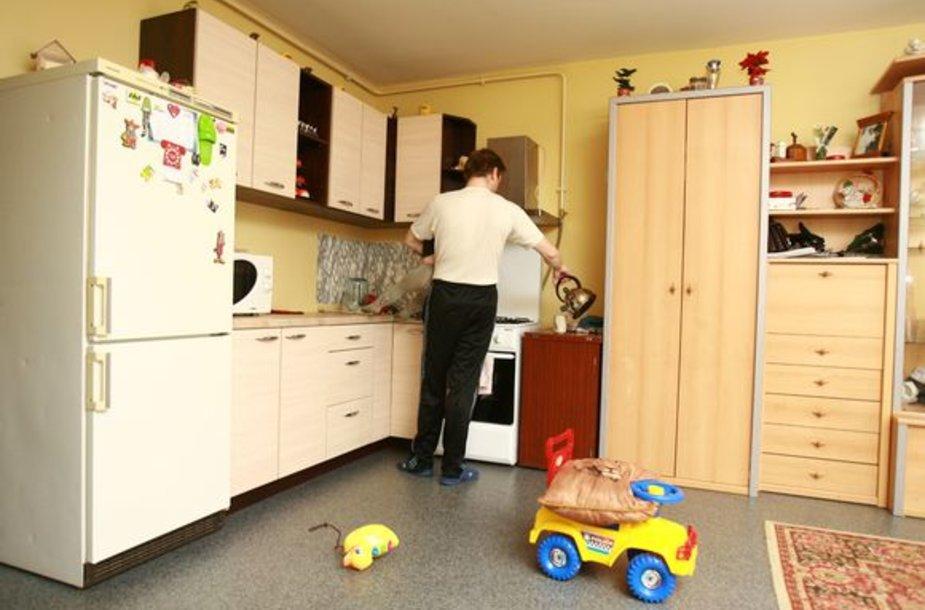 Klaipėdietis Vytautas kartu su šeima socialinio būsto laukė apie 16 metų. Naujame name jis įsikūrė prieš metus.