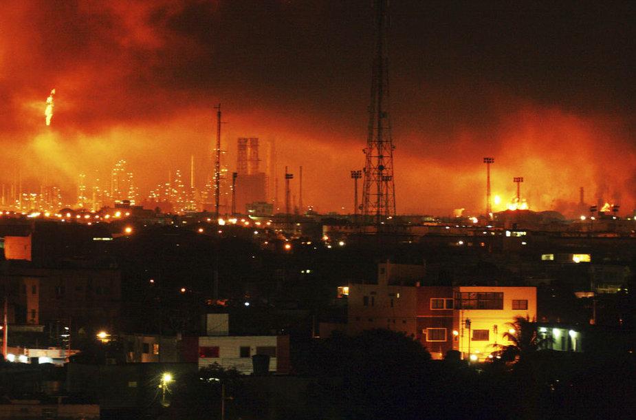 Sprogimas didžiausioje Venesuelos naftos perdirbimo gamykloje