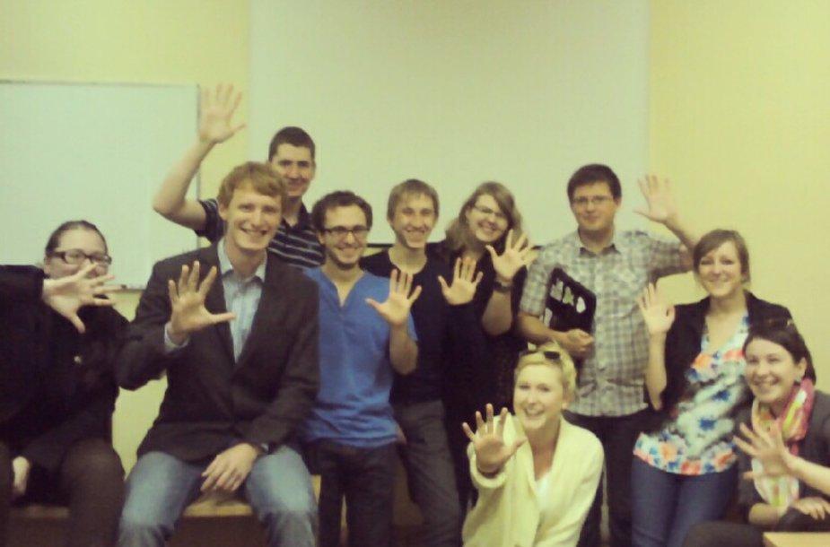 Studentai, naujus mokslo metus sutikę laikydami žurnalistikos istorijos egzaminą.