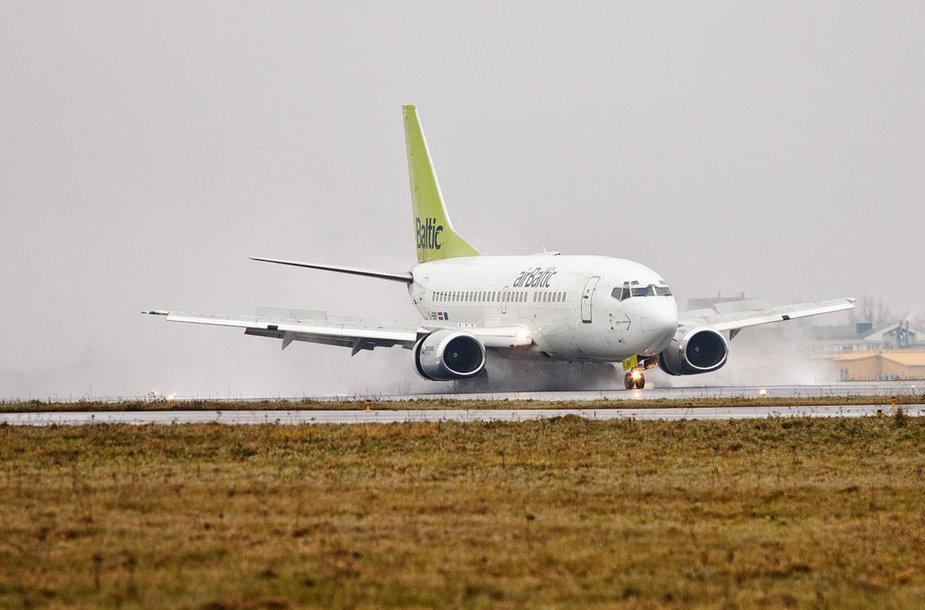 """""""Air Baltic"""" lėktuvas"""