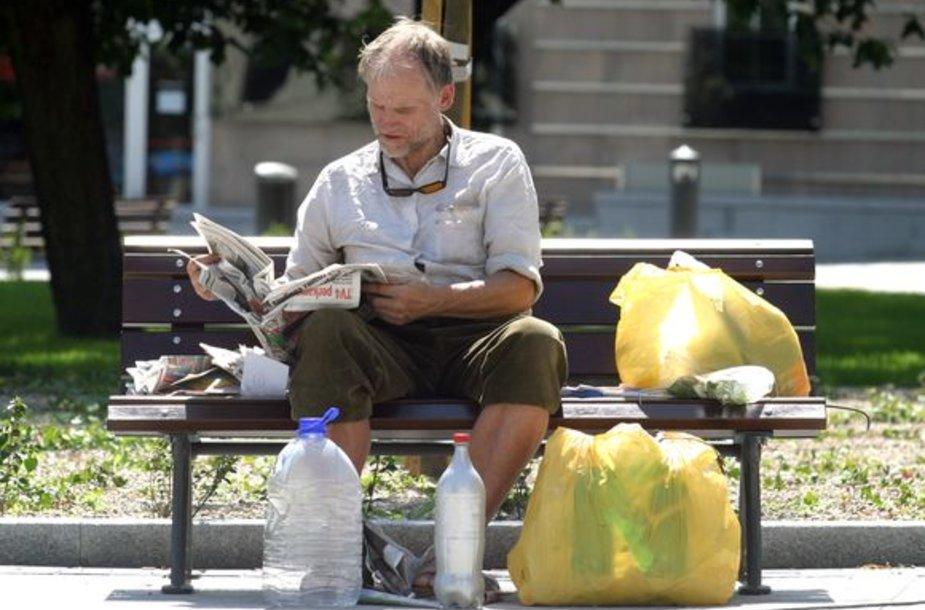 Maišelius apmokestinę prekybininkai teigia, prisidėsią prie gamtos saugojimo, nes žmonės taupydami naudos anksčiau pirktus maišelius.